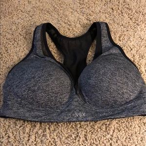 VSX sports bra size 36C